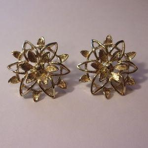 Sarah Coventry Peta-Lure Flower Clip Earrings